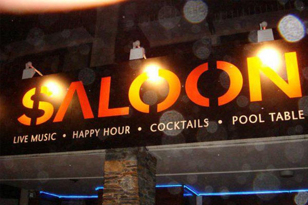 Saloon apres ski bar