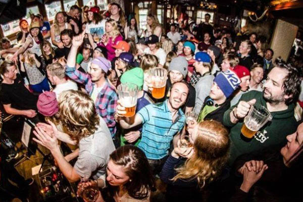The best chamonix apres ski and nightlife bars to visit for Chambre chamonix