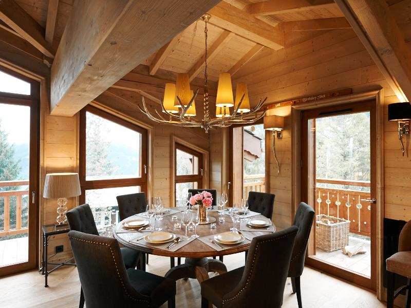 Chalet Everest Up To 8 Guests Courchevel 1650 Powder White