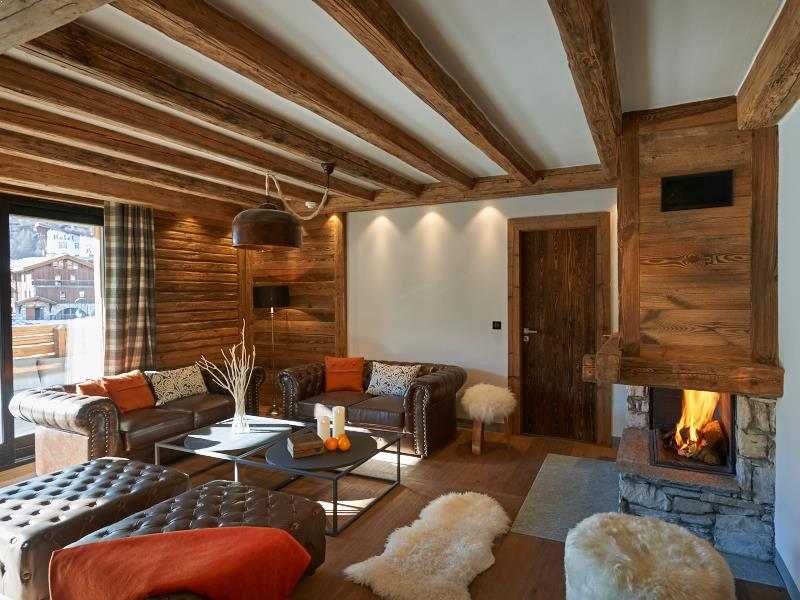Chalet Jura, Sleeps up to 6 Guests, Val d\'Isere - Powder White