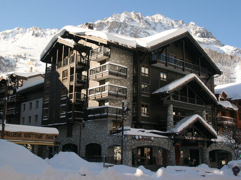 Hotel avenue lodge val d 39 isere powder white for Hotels val d isere