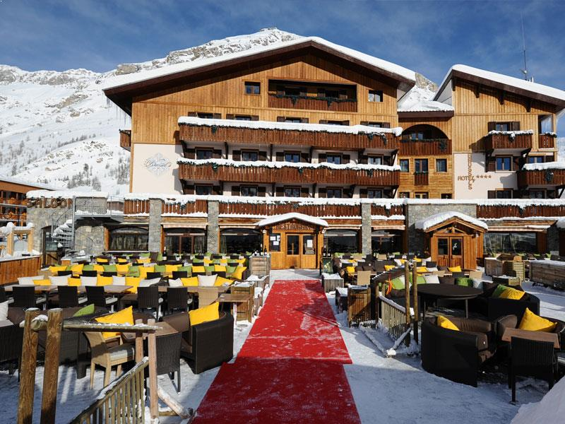 Hotel le brussel 39 s val d 39 isere book online powder white for Hotels val d isere