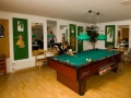 Hotel Etoile games room