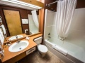 Bathroom, Hotel Inn, Big White