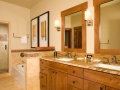 Mountain Thunder Lodge Bathroom