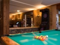 Hotel La Prairie pool table