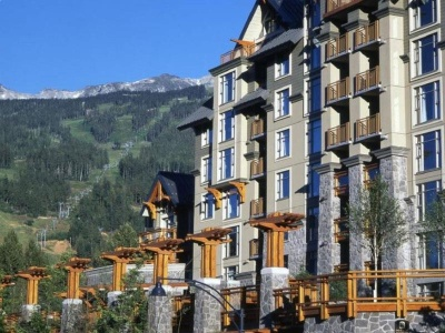 Pan Pacific Whistler Village Centre Suites