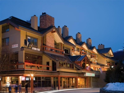 Hotel Whistler Village Inn and Suites