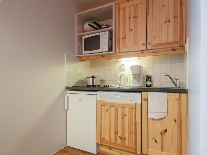 Standard One Bedroom + Alcove Apartment for 6/7