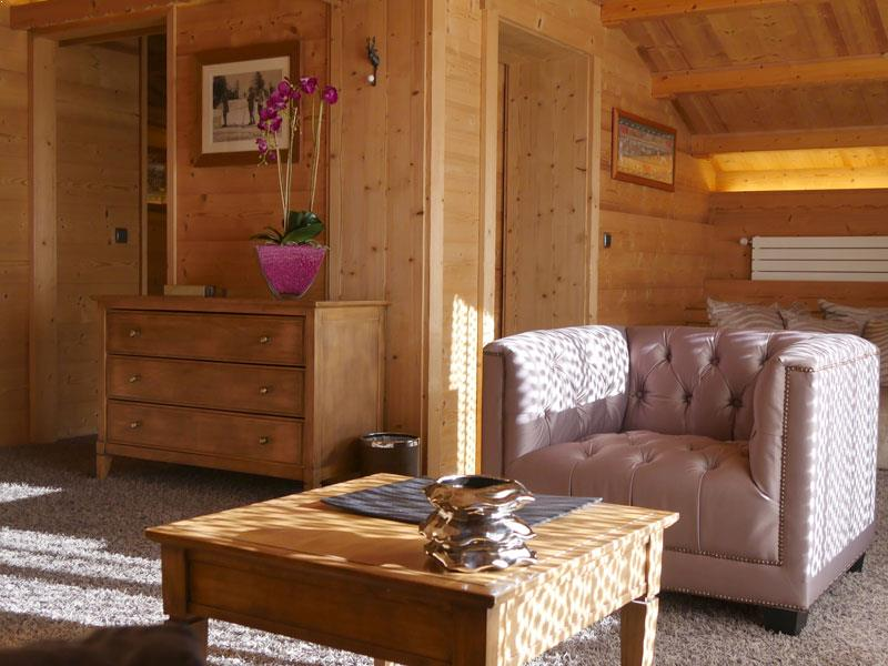 Junior mountain suite living room