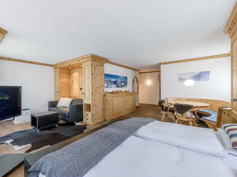 Junior Suite with balcony, Hotel Cervus, St. Moritz
