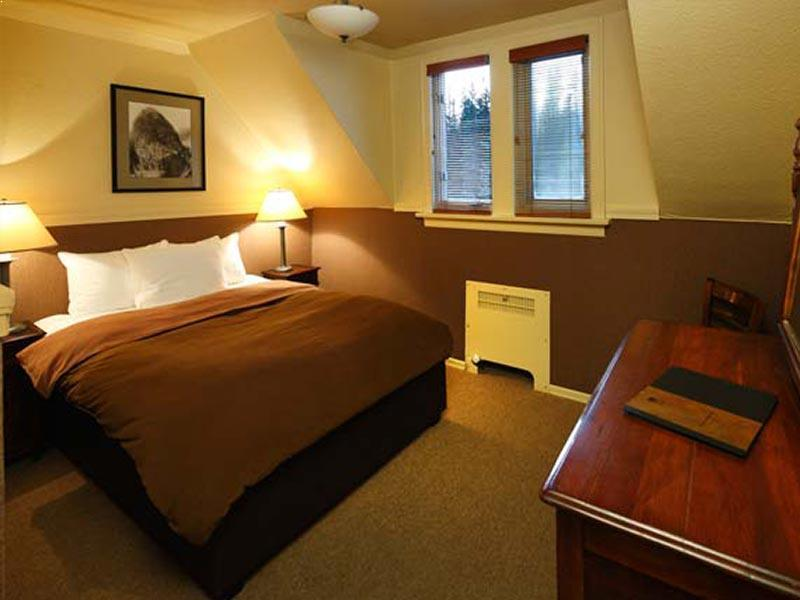 Lodge room bedroom