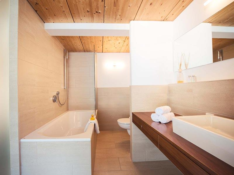 Kapall suite bathroom