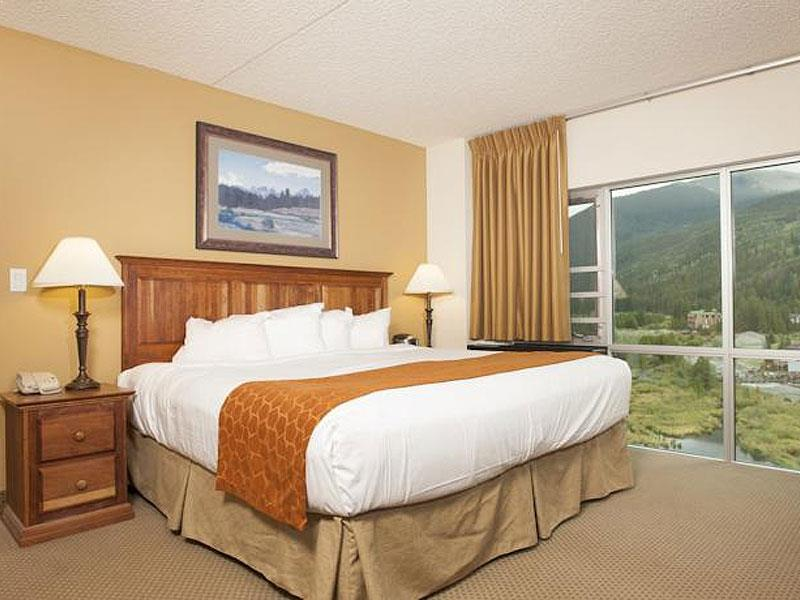 King Hotel Room with Mountain View