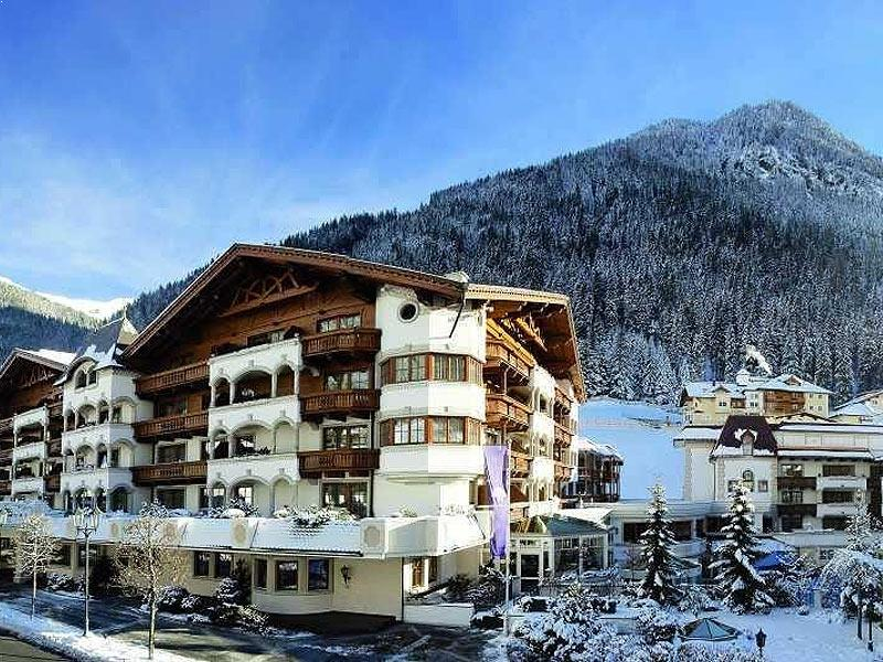 Hotels In Ischgl - Powder White